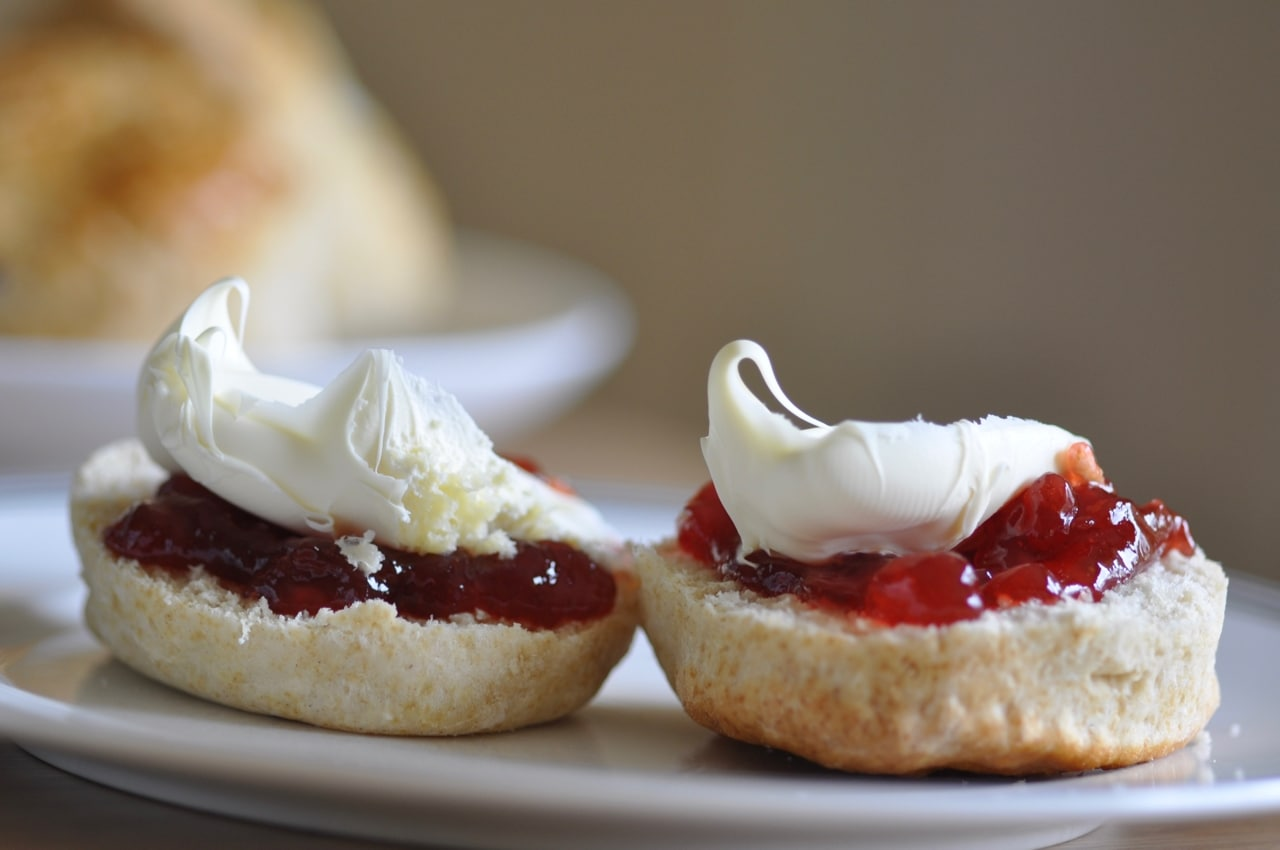 Cornish cream tea with jam first ocd obsessive cream disorder between cornwall and devon