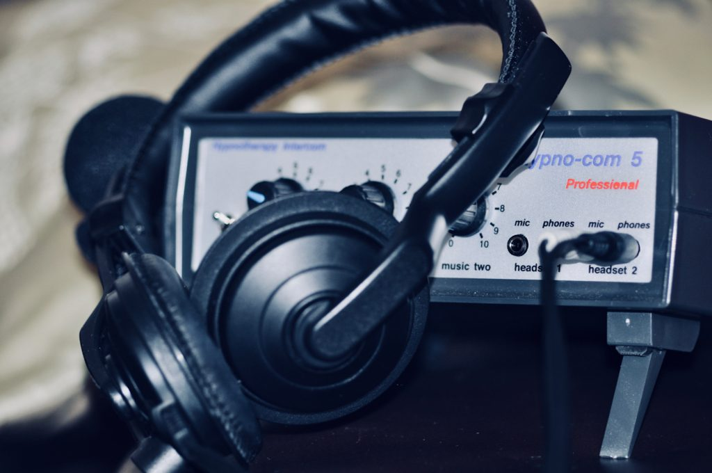 Photo of HypnoCom 5 professional audio unit with headphones at Neil Cox Hypnotherapy in Bude Cornwall hypnosis downloads